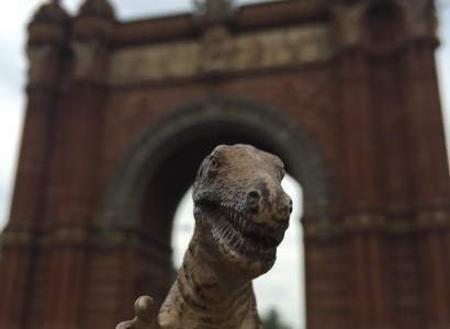 Rex stands beneath the Arc de Triomf, built in 1888 as the main access gate for the Barcelona World Fair